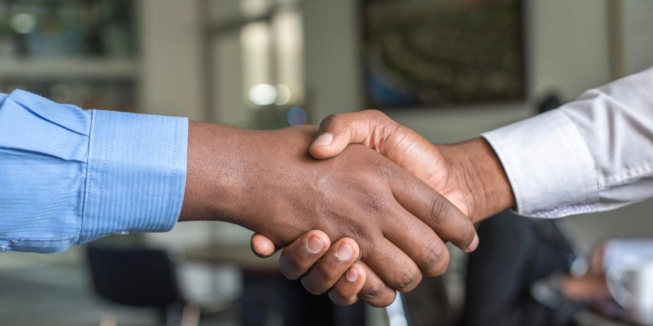 shake hands.001
